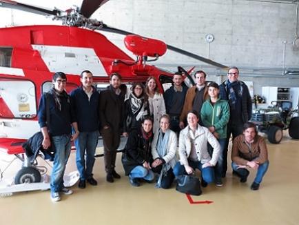 Foto di gruppo RAC Lugano-Ceresio alla visita della base REGA a Locarno